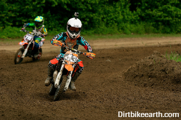 What age is a 50cc dirt bike for? (Dirt bikes for kids)