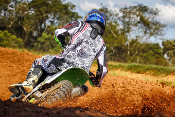 How to get comfortable on a dirt bike and ride like a pro